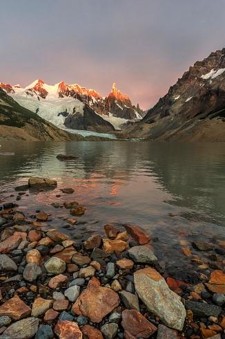 Cerro Torre y el lago