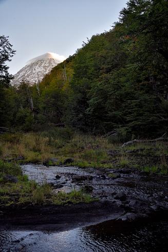 Volcán Lanin y el Río Turbio