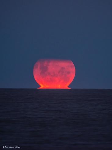 Superluna en el Rio de la Plata
